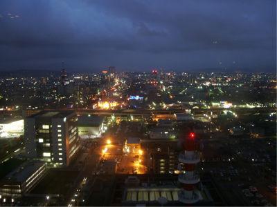夜景は良し。石川県庁、穴場スポットです。