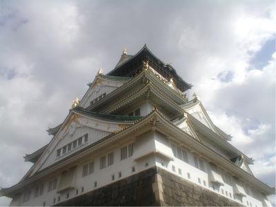 でかいな。一般的に、日本の城の天守閣というのは、意外と小さいものが多いんだけど、ここはでかい。