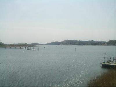 これは三ヶ日駅周辺からの眺め。知ってる人は知ってるだろうけど、これは正確には浜名湖ではなくて猪鼻湖。まあ延長線上なので浜名湖でひとくくりにしていいんじゃね?