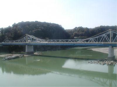 天竜川にかかる大鉄橋。ある意味、天竜浜名湖鉄道のハイライトかもしれない。