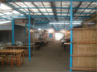 開業していたのは、入り口にある店数店舗。
