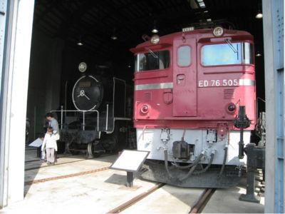 SL世代ではないので、孤児的にはこういう機関車の方が興味があったり。